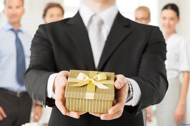 5 quà tặng để bàn cao cấp