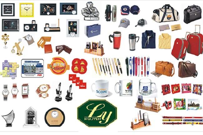 Mẫu quà tặng doanh nghiệp in logo thương hiệu công ty