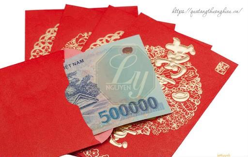 thưởng tiền mặt cho nhân viên ngày lễ quốc khánh
