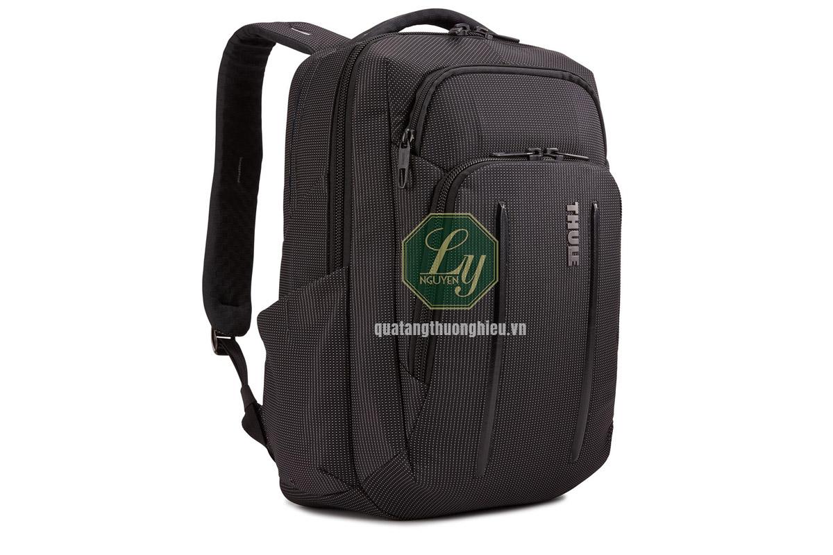 Balo, túi xách nhỏ cũng là những dụng cụ cần cho chuyến du lịch